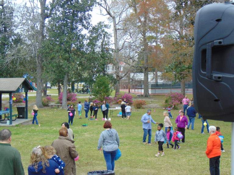 Easter-egg-hunt-in-the-park-life-givers-church-life-givers-moncks-corner-sc-19