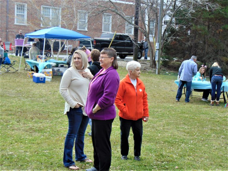Easter-egg-hunt-in-the-park-life-givers-church-life-givers-moncks-corner-sc-2
