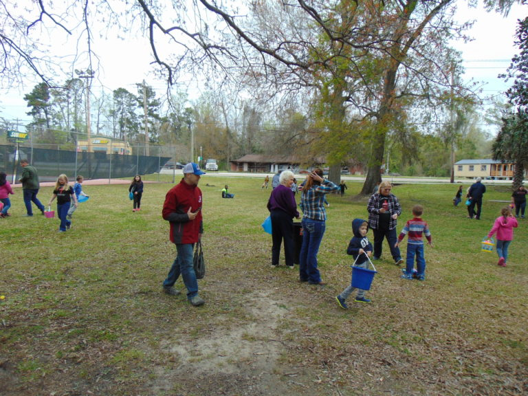 Easter-egg-hunt-in-the-park-life-givers-church-life-givers-moncks-corner-sc-27
